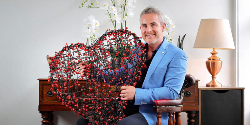 looking for love three issues facing singletons and daters intro matchmaking sunday independent niamh horan feargal with love heart